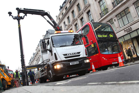 HIAB Used for London\'s External Lighting