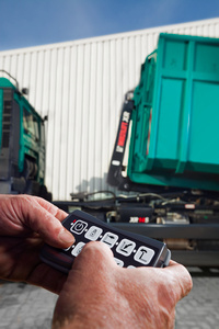 Multilift Introduces a Mini-Radio Control System for Hooklifts