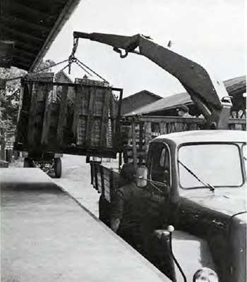 HIAB 170 unloading