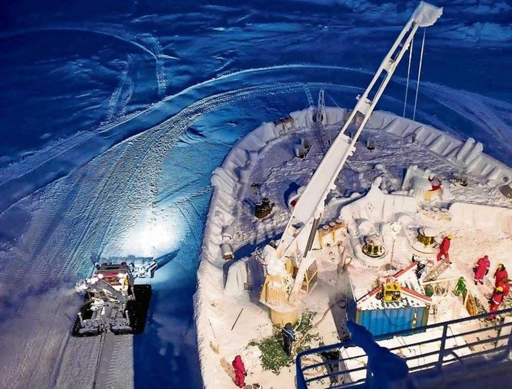 HIAB X-HiDuo 108 E-4 crane sits atop the German research icebreaker Polarstern